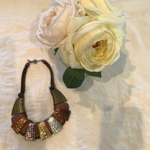 Jewelry - Gorgeous Wood and Metal Necklace